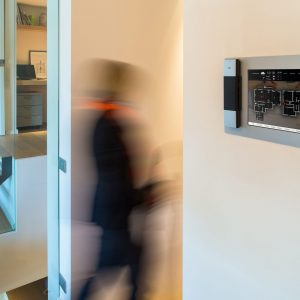 WaltHuis Domotica touchscreen UI alarm woonkamer